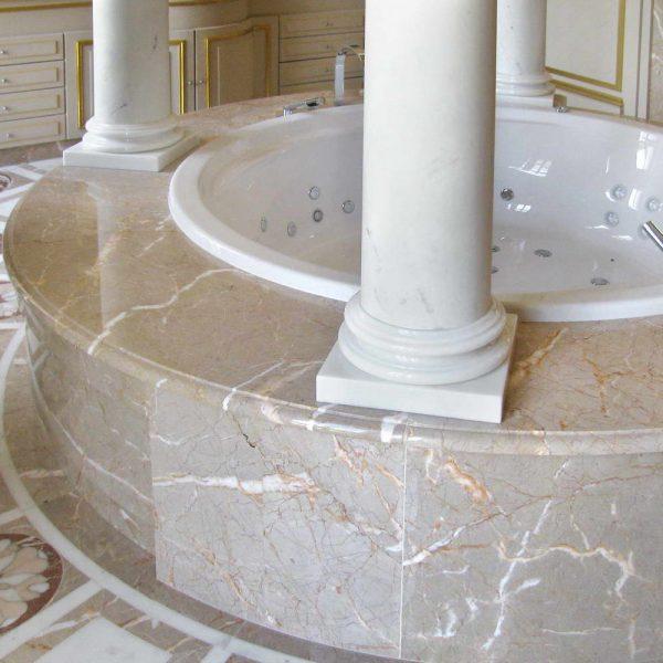 Bagno queen vittoria marmo alpenina bianco michelangelo - Bagno in marmo bianco ...