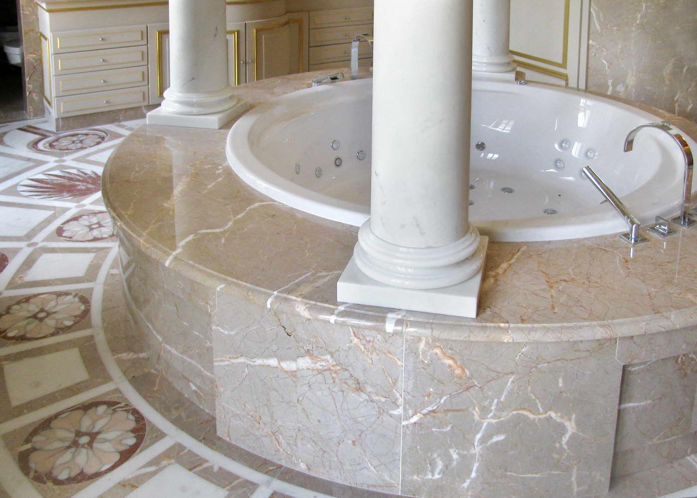 Bagno queen vittoria marmo alpenina bianco michelangelo - Bagno marmo bianco ...