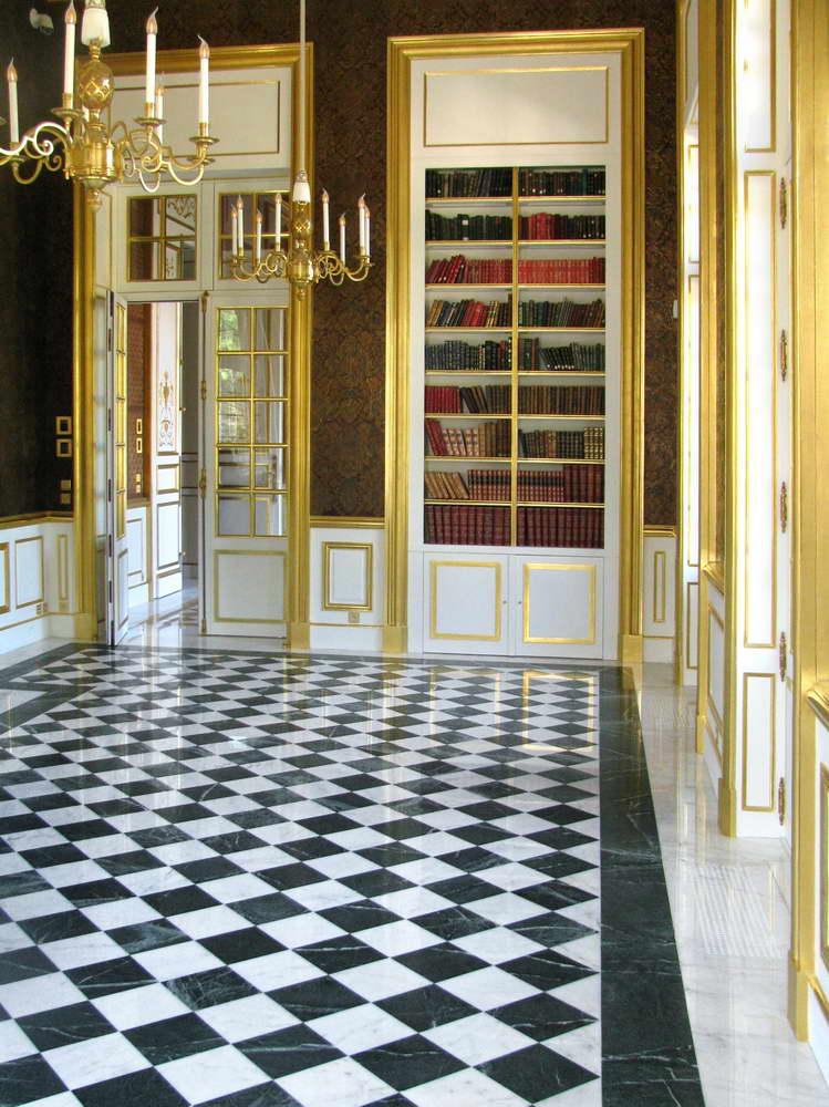 pavimenti in marmo bianco e marmo verde