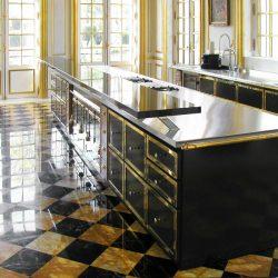 pavimenti in marmo, pavimento cucina in marmo nero e marmo giallo