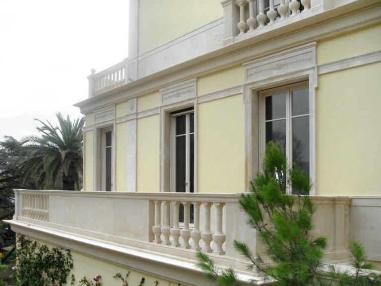 balaustra terrazzo in marmo, cornici finestre