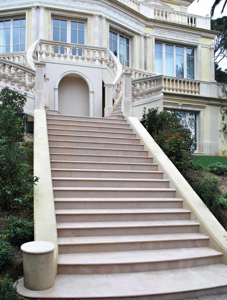 Scale in marmo granito e pietra naturale scale interne in for Scale esterne in marmo