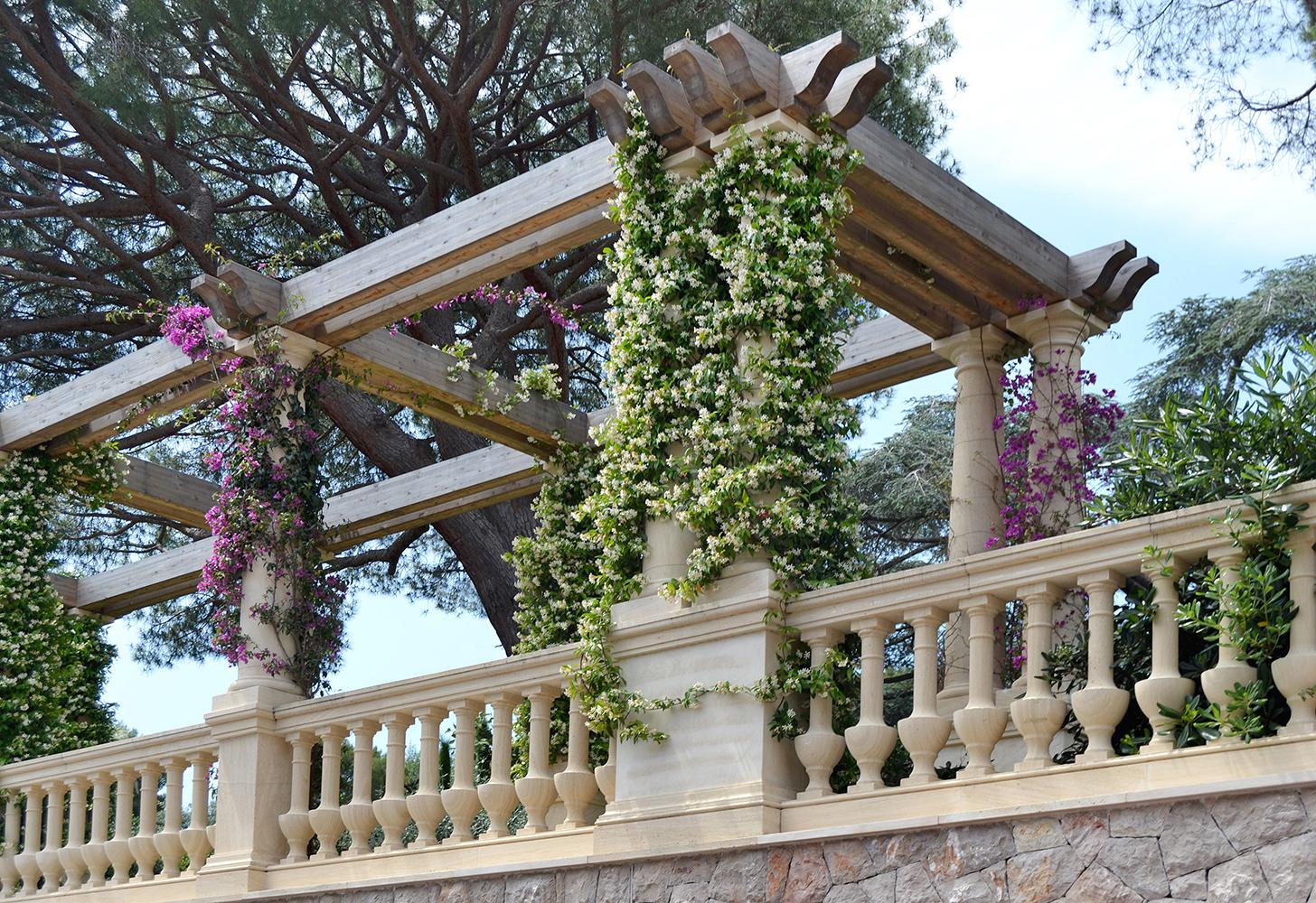 colonne recinzione in pietra Rocheron doree